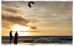 Kitesurfen lernen im Kitekurs in der Kiteschule Rerik an der Ostsee.Sei dabei !