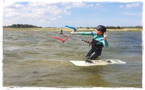 Kitesurfen lernen im Kitekurs im sommerurlaub an der ostsee corona