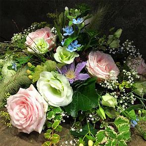 Blumen, Strauss, Floristik, Blumenstrauss, Gesteck, Blumengesteck, Vasenfüllung, Blumenarrangement, Blumenkreation, Blumenschmuck, Blumenkranz