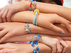 Kindergeburtstag Düsseldorf Schmuck Workshop Armband
