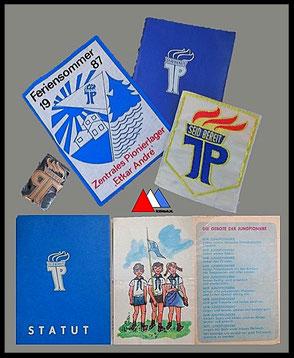 Jungpioniere badge, stempel, leden documenten. collectie auteur.