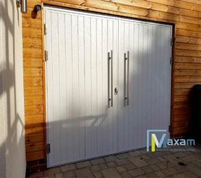 Openslaande garagedeur | Openslaande garagedeuren, ook wel dubbele garagedeuren genoemd van Maxam is het ideale alternatief voor de traditionele garage kanteldeur in uw garage