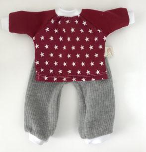 Kleiderset für Waldorfpuppe oder Stoffpuppe graue Hose mit rotem Oberteil mit weißen Sternen