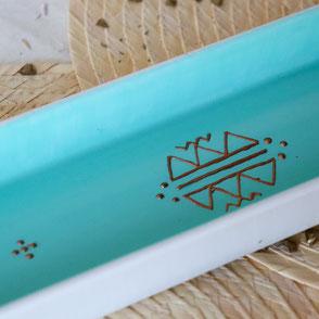 plat-rectangulaire-ceramique-turquoise-cuivre-motif berbere