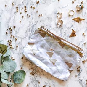 trousse-maquillage-blanc-motifs-zigzag doré-fermeture eclair