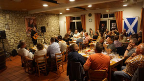 """Volles Haus bei """"Whisky & Music"""" mit Robin Laing, dem Whisky-Barden"""