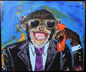 Tableau peinture acrylique singe drôle rigolo en costume habillé avec lunettes de soleil et téléphone orange