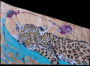 Peinture tableau bois récupération travaux osb reconstitué aggloméré félin fauve léopard sieste repos sur branche tronc arbre coloré moderne original