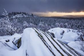 Leistenklippe-im-Winter, Hohnekamm, Hohneklippen, Harzer-Winter, Winterlandschaft-im-Harz, Hochharz, Oberharz, Harzer-Wandernadel, Stempelstelle-15, wandern-im-Harz, Highlight-im-Harz, Harzfoto, Harz-Natur, Canonfoto, Canon-16-35mm, Nationalpark-Harz