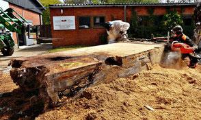 Große Kauri Wurzel Zuschnitt Tischplatten für hochwertige Massivholztische und extravagante Designer Esstische große Konfernztische