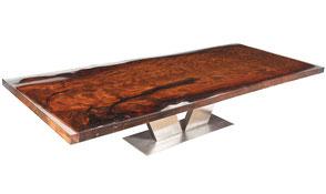 Exklusiver Wohnzimmertisch aus unvergleichlichem Kauri Wurzelholz, großer Holztisch mit Edelstahl Fußgestell, außergewöhnliche Tischplatte in transparentem Harz