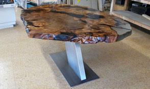 Exklusivier Designer Esstische aus altem Kauri Holz mit Edelstahl Fußgestell und naturmarkante Wurzel Tischplatte
