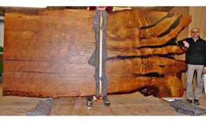 Riesiger Massivholztisch mit einzigartiger Tischplatte, außergewöhnliche Natur Designertische und Design Esstische aus exklusivem Kauri Holz