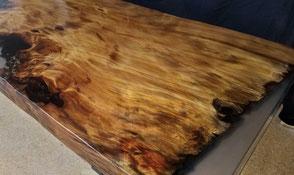 Tischplatte aus Kauri Wurzelholz, faszinierender Esstisch, exklusiver Epoxidharz Holztisch