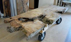 Große Esstisch Wurzelplatte, unvergleichlicher Holztisch aus prähistorischem Kauri Holz, exklusiver Naturholztisch mit kunstvoller Tischplatte