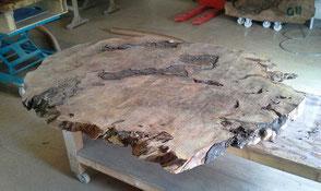 Kauri Tischplatte unbearbeitet vom exklusiven Designer Esstisch, naturmarkante Wurzel
