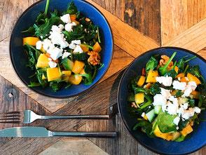 Salade; mango; komkommer; geitenkaas