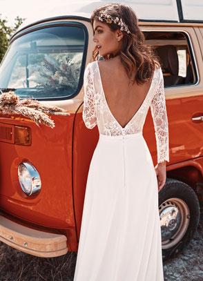 Robe de mariée bohème chic dentelle décolleté dos Fabienne Alagama  Fabrication française Saint Germain en Laye Yvelines