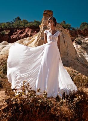 Robe de mariée Décolleté V  Fabrication française Saint Germain en Laye Yvelines