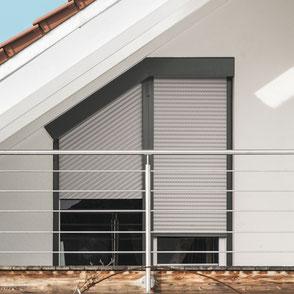 Rollladensysteme TRENDO von ROMA für schräge Fenster.