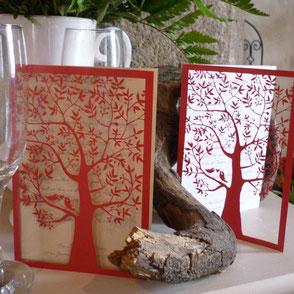 Faire-part mariage oiseaux dans l'arbre rouge effet dentelle en papier ciselé