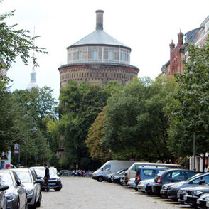Der Wasserturm am Kollwitzplatz. Foto: Helga Karl