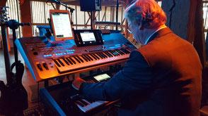 Hochzeitsband Dillingen - Helmuth an den Keyboards