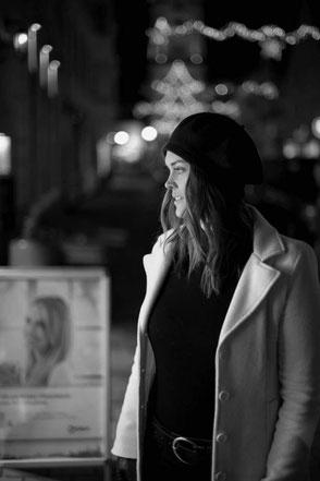 emotionales Porträt sinnlich outdoor Abend