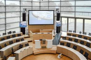 Konferenztechnik: Landtag Kiel, Plenarsaal – weiss veranstaltungstechnik