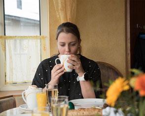 Genießen Sie in unserem Cafe die herrlichen hausgemachten Mehlspeisen und nehmen Sie sich eine kurze Auszeit vom Alltag.