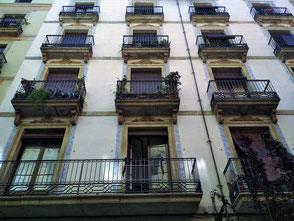 Pintores Barcelona. Rahabilitación de fachada a Ciutat Vella