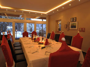 In dem Weihnachtsfeier Hotel bei Celle bieten wir Ihnen neben verschiedenen Rahmenprogrammen auch die Weihnachtsfeier mit Hotel Übernachtung an.