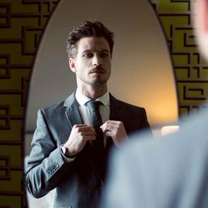 Hochwertige Krawatte aus reiner Seide - die Herren Edel.