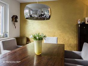 Goldene Wand im Eßzimmer