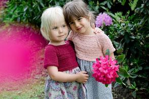 Gestrickte-Kinderkleider-Baumwolle-Bordeaux-Apricot-Sonntagskleid