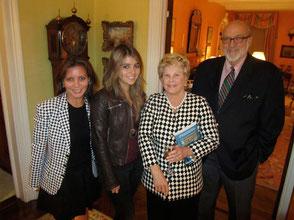 Hilary Paley Cafino entourée                                                                   de Valérie, Arianna et Jeff Paley
