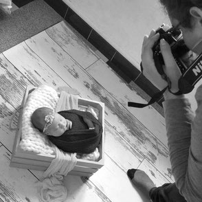 Celia D. Photographie Séance naissance bébé nouveau-né à domicile dijon beaune dole chalon sur saône