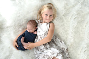 Photographe naissance nouveau-né à domicile photo famille Dijon Beaune Nuits Saint Georges Séance photo bébé baby shower