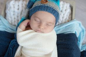 Séance photo naissance nouveau-né bébé à domicile Dijon Beaune Nuits Saint Georges