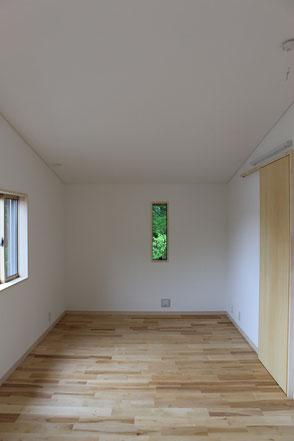 西側の個室。