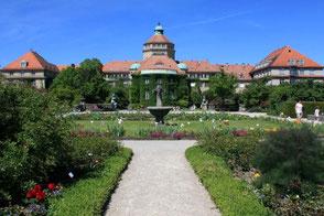 Der Botanische Garten - ein Ort des Friedens und des Gesangs (zumindest am Sonntag).