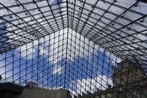 musée du louvre en chiffres pyramide