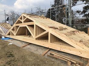大仙公園公衆トイレの屋根 真束トラス