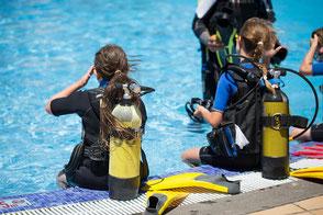 Kindertauchkurse für Kinder zwischen 8 und 14 Jahren  (Delfin 1 bis Delfin 3)