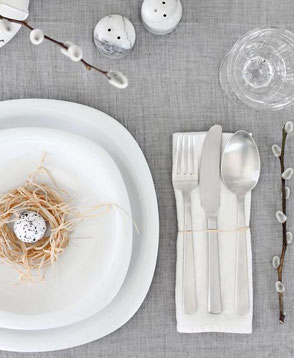 Modern Easter Table Setting, Inspiration Collection via PASiNGA.com and image via style-files.com