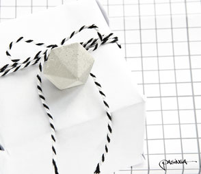 Concrete Diamond Gift Tag Set of 6 by PASiNGA