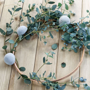 Summer Round Wreath Diy with garden greens, concrete Half Moon ornaments and copper by PASiNGA