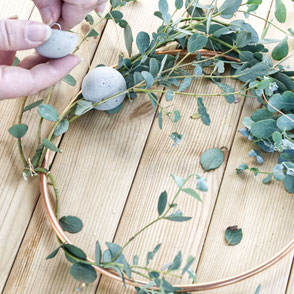 Summer Wreath Diy with Concrete Half Moon Ornaments and Copper by PASiNGA