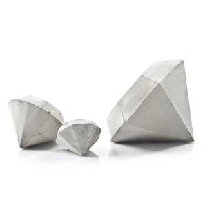 Pale Grey Concrete Diamond Sculpture Set of 3 by PASiNGA