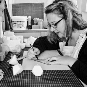 Designer maker PASiNGA at work and her sustainability approach